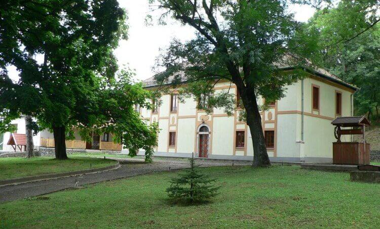 Szontagh-kúria