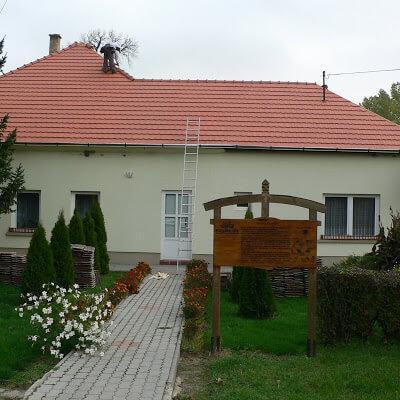 Faluház tetőfelújítása