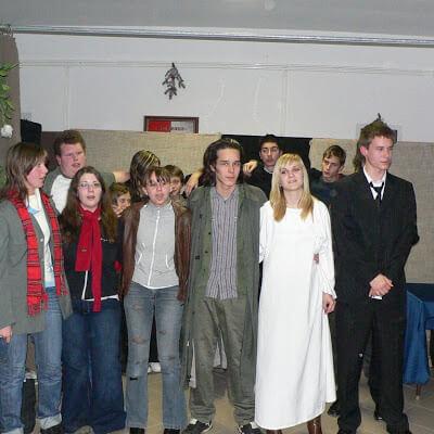 Karácsonyi műsor a Szent I. Szakközépiskola diákjainak előadásában 2007.12.17