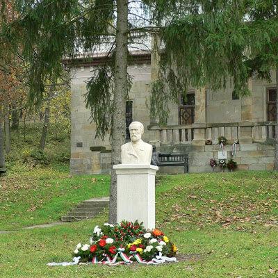 Nagy Iván szobor avatása 2007.10.27