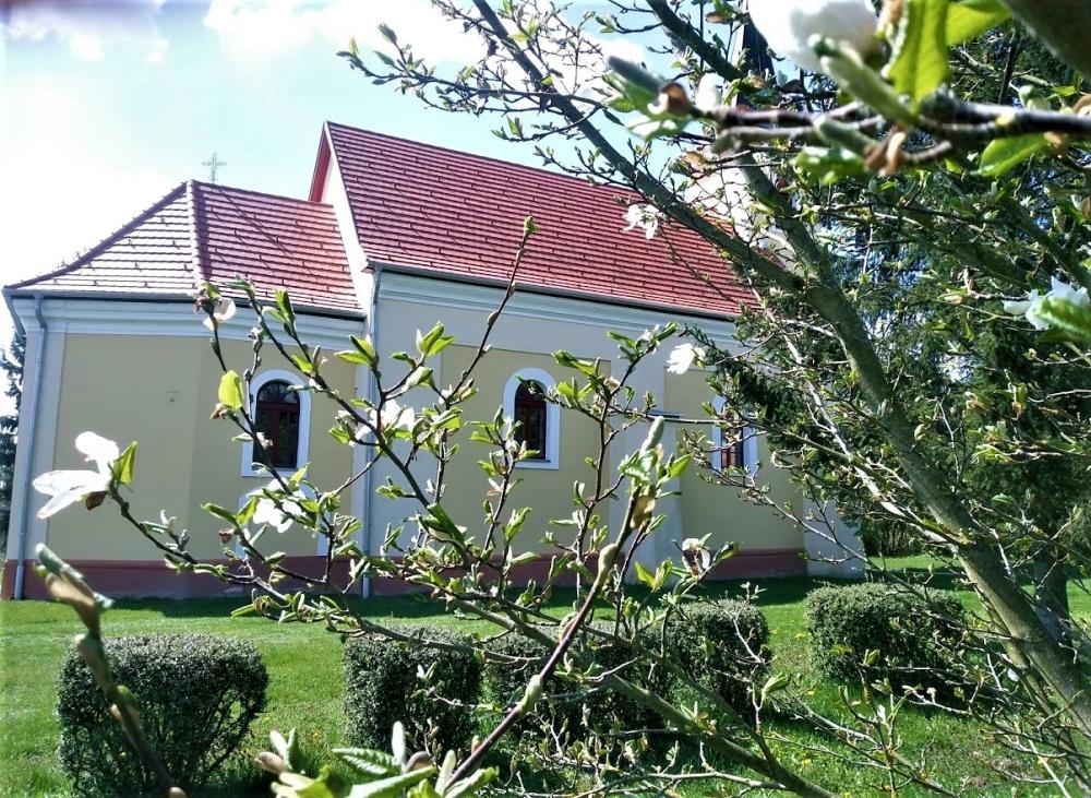 Horpacs-templom-tavasszal